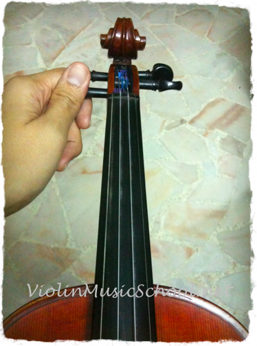 Change Violin Strings TIghten G String